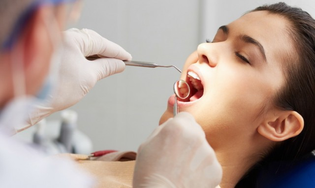 dental problems Untreated periodontal disease like gingivitis and peiodontitis can eventually lead to tooth loss and other health problems.
